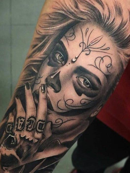 ettore-bechis-tattoo-016-black-white-upper-sleeve