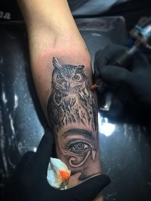 jose-andres-cardoso-tattoo-003-black-white-inner-forearm