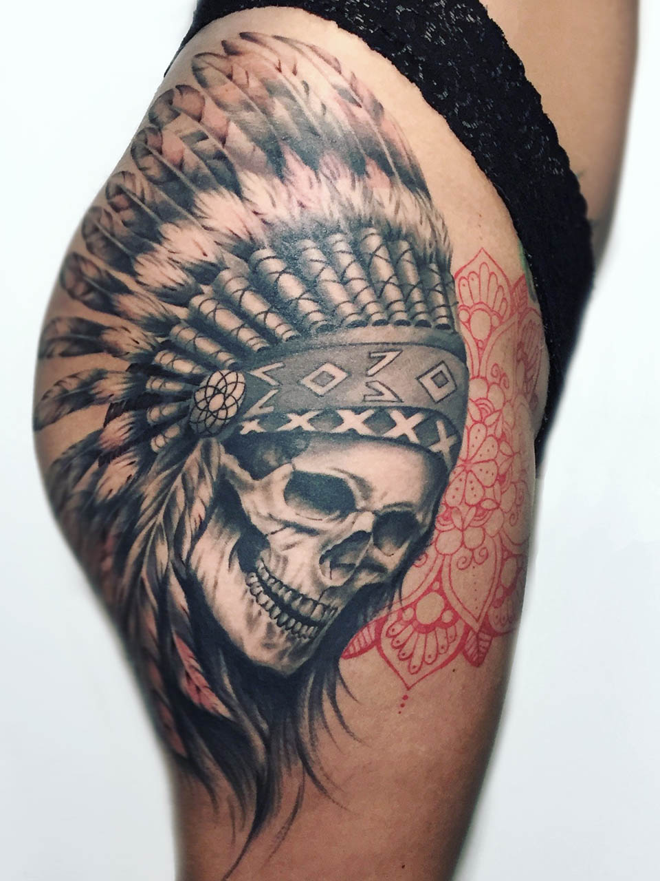 kevin-deuso-tattoo-001-black-upper-thigh-bottom