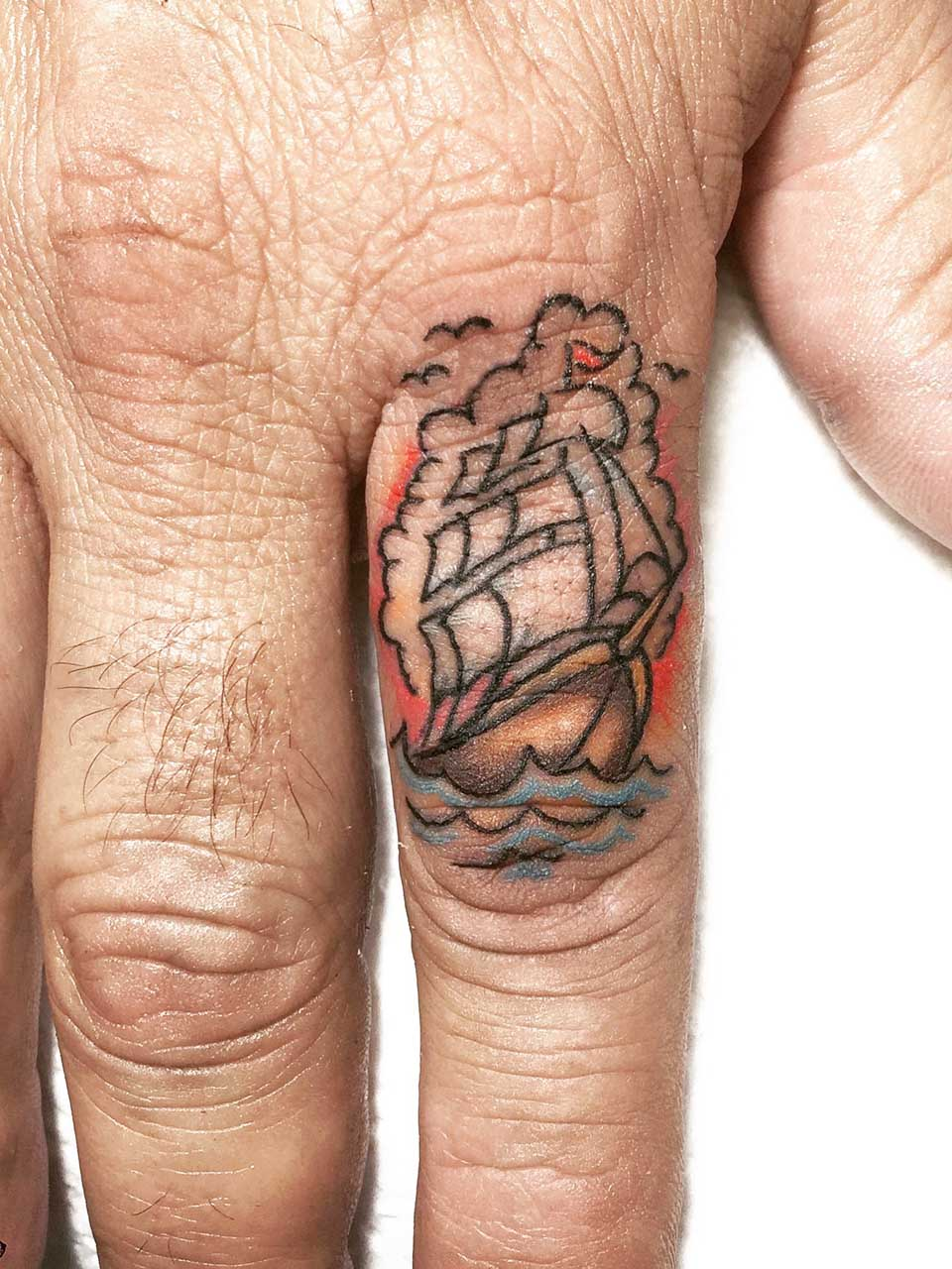 kevin-deuso-tattoo-014-color-pointer-finger