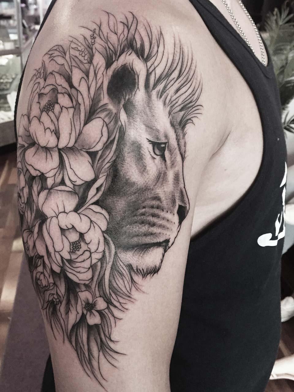 kevin-deuso-tattoo-017-black-upper-arm